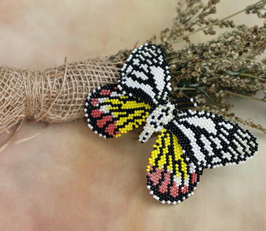 Brosh-iz-bisera-svoimi-rukami-32 Брошь из бисера своими руками: схемы плетения и советы начинающим по созданию украшения (130 фото)