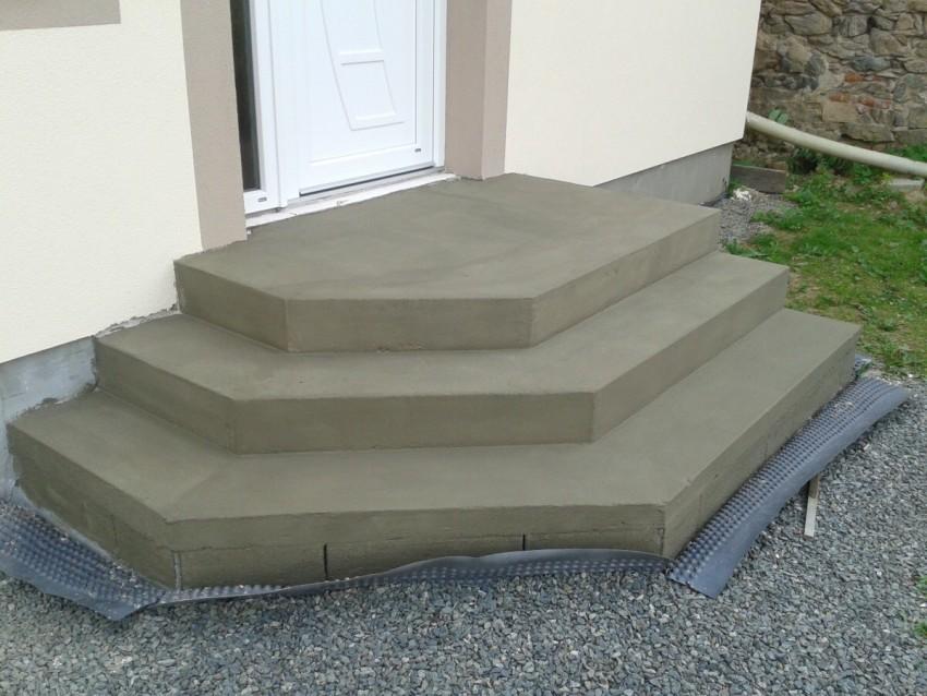 крыльцо к дому из бетона