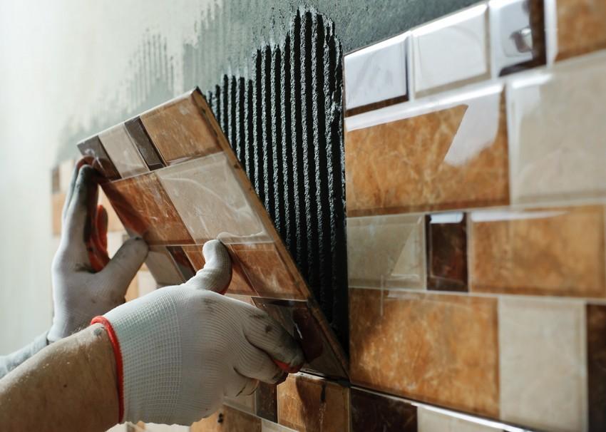 Как клеить плитку на пол - схемы укладки и пошаговая инструкция
